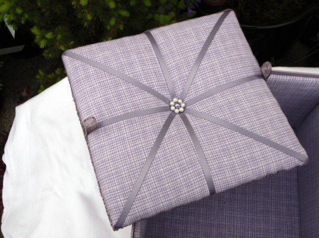 Wisteria Keepsake Box (False Removable Base)