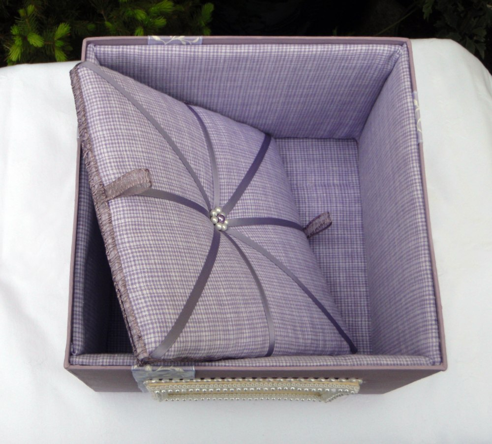 Wisteria Keepsake Box (Padded removal panel)