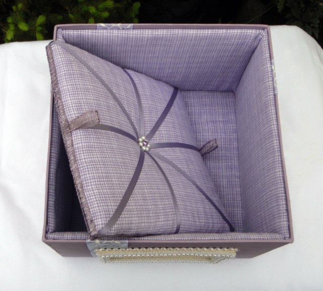 Wisteria Keepsake Box (Inside)