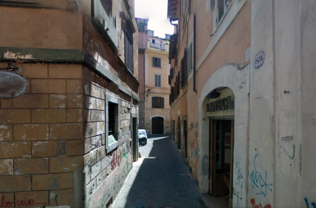 Another image of the outside of the Rome apartment.  Taken from the internet.  June 2014